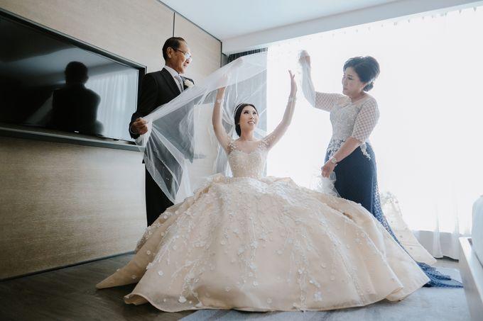 THE WEDDING OF DANIEL & NOVI by Alluvio - 030