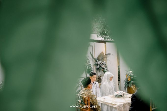 The Wedding Of Melly & Wisnu by alienco photography - 007
