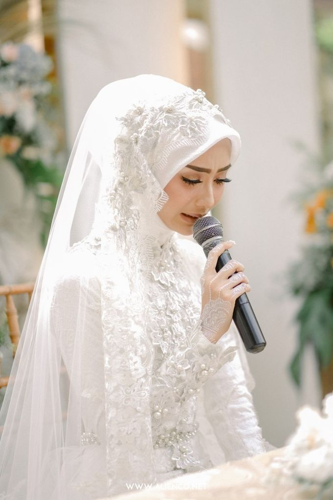 The Wedding Of Melly & Wisnu by alienco photography - 008