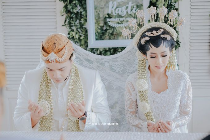 Ardina Rasti & Arie Andika by Thepotomoto Photography - 035