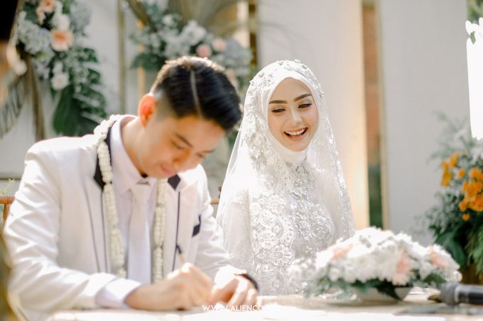 The Wedding Of Melly & Wisnu by alienco photography - 009