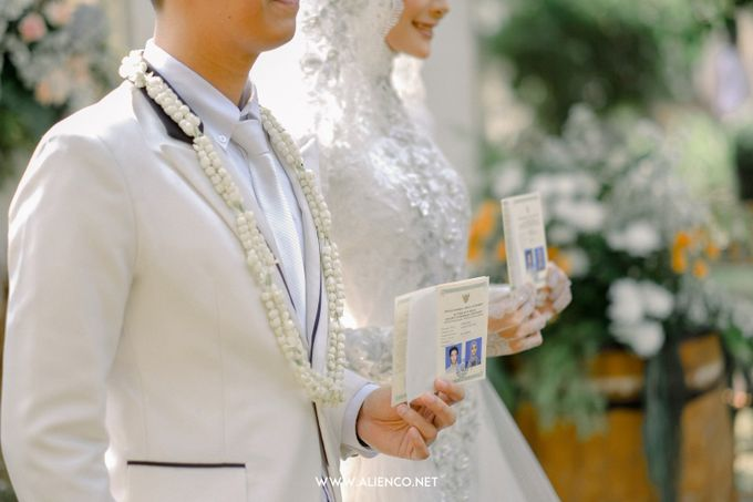 The Wedding Of Melly & Wisnu by alienco photography - 010