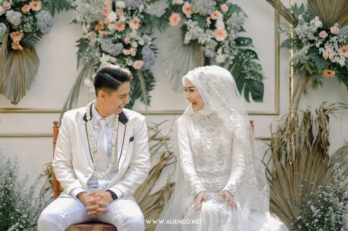 The Wedding Of Melly & Wisnu by alienco photography - 011