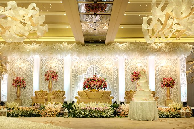 The Wedding of Aditya Riana - Ayana Midplaza Jakarta by The Swan Decoration - 009