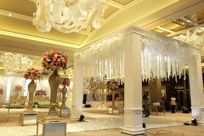 The Wedding of Aditya Riana - Ayana Midplaza Jakarta by The Swan Decoration - 010