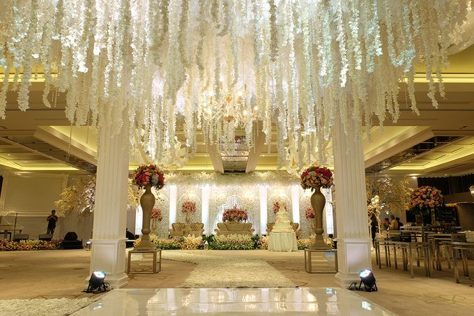 The Wedding of Aditya Riana - Ayana Midplaza Jakarta by The Swan Decoration - 013