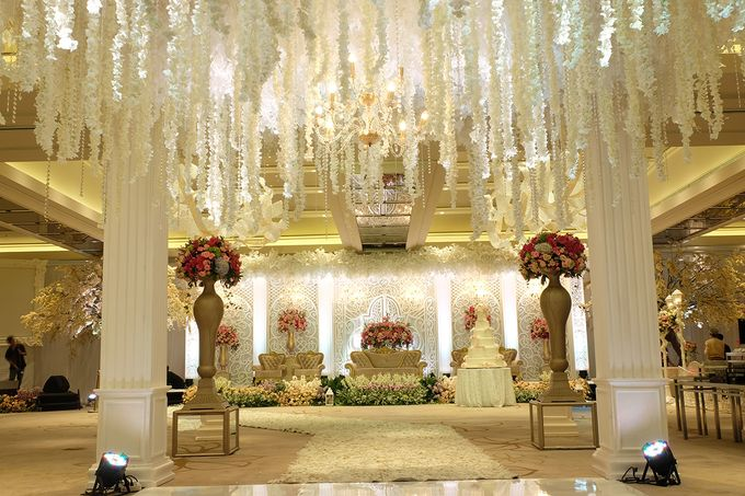 The Wedding of Aditya Riana - Ayana Midplaza Jakarta by The Swan Decoration - 014