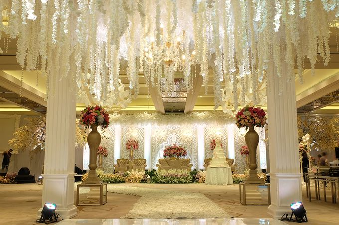 The Wedding of Aditya Riana - Ayana Midplaza Jakarta by The Swan Decoration - 015