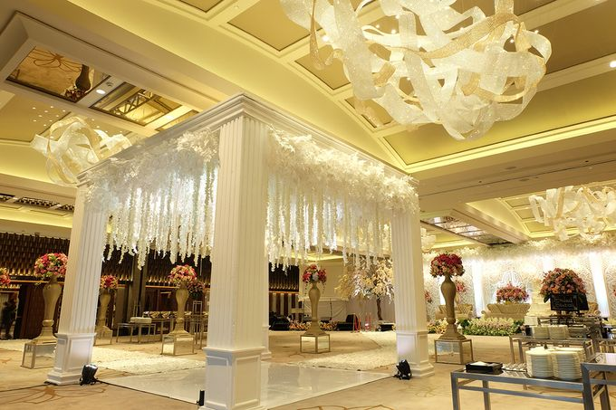 The Wedding of Aditya Riana - Ayana Midplaza Jakarta by The Swan Decoration - 016