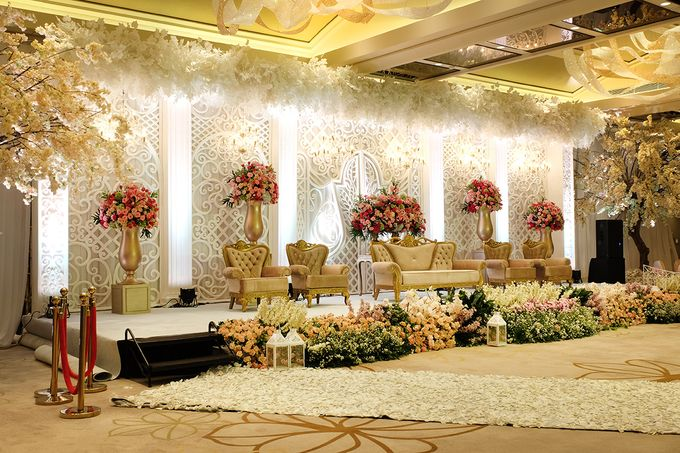 The Wedding of Aditya Riana - Ayana Midplaza Jakarta by The Swan Decoration - 020