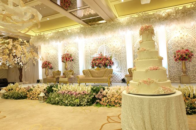 The Wedding of Aditya Riana - Ayana Midplaza Jakarta by The Swan Decoration - 025