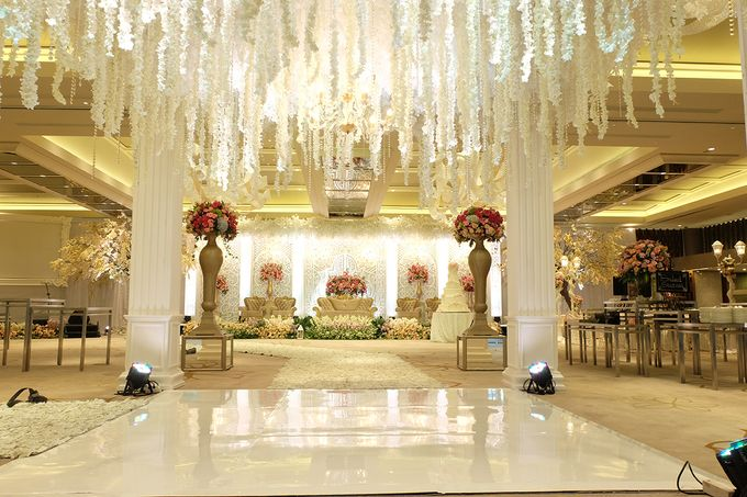 The Wedding of Aditya Riana - Ayana Midplaza Jakarta by The Swan Decoration - 027