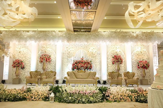 The Wedding of Aditya Riana - Ayana Midplaza Jakarta by The Swan Decoration - 028