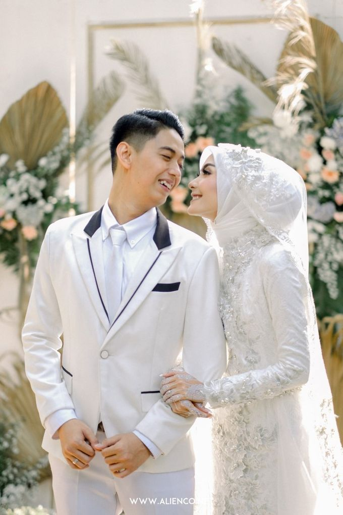 The Wedding Of Melly & Wisnu by alienco photography - 013