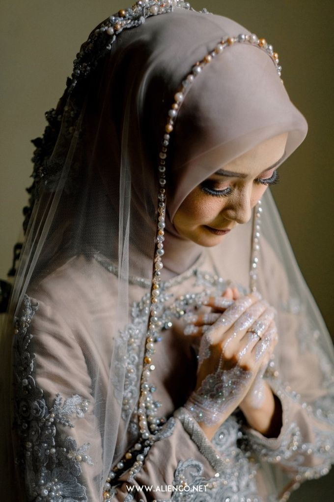 The Wedding Of Melly & Wisnu by alienco photography - 016