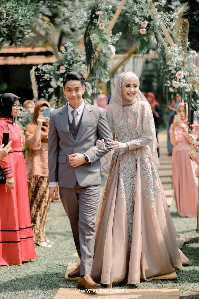 The Wedding Of Melly & Wisnu by alienco photography - 017