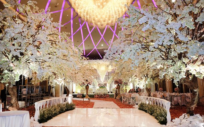 The Wedding of Adrian Silviany - Kempinski bali Room by The Swan Decoration - 008