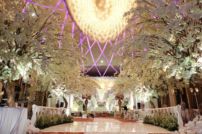 The Wedding of Adrian Silviany - Kempinski bali Room by The Swan Decoration - 007