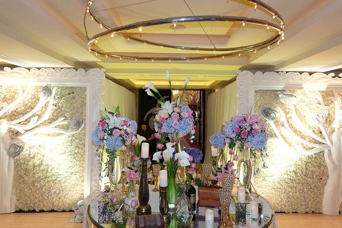The Wedding of Adrian Silviany - Kempinski bali Room by The Swan Decoration - 046
