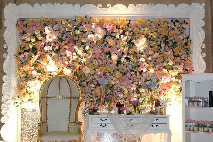 The Wedding of Adrian Silviany - Kempinski bali Room by The Swan Decoration - 023