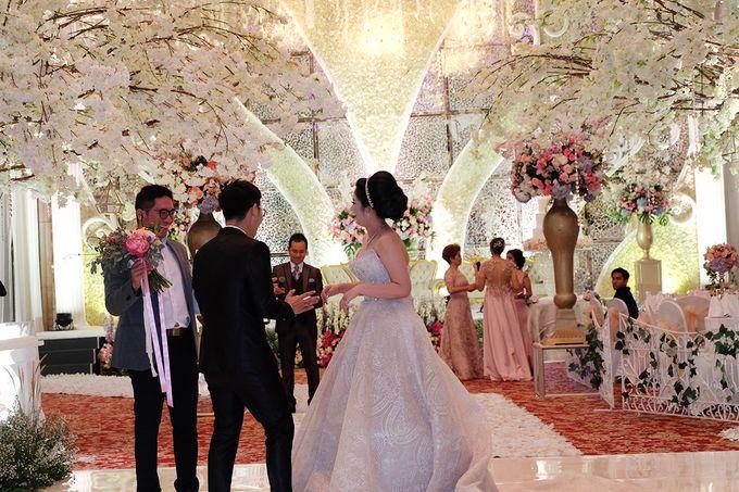 The Wedding of Adrian Silviany - Kempinski bali Room by The Swan Decoration - 029