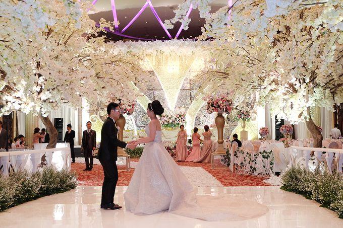 The Wedding of Adrian Silviany - Kempinski bali Room by The Swan Decoration - 022