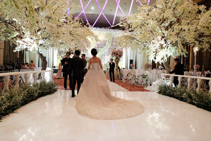 The Wedding of Adrian Silviany - Kempinski bali Room by The Swan Decoration - 030