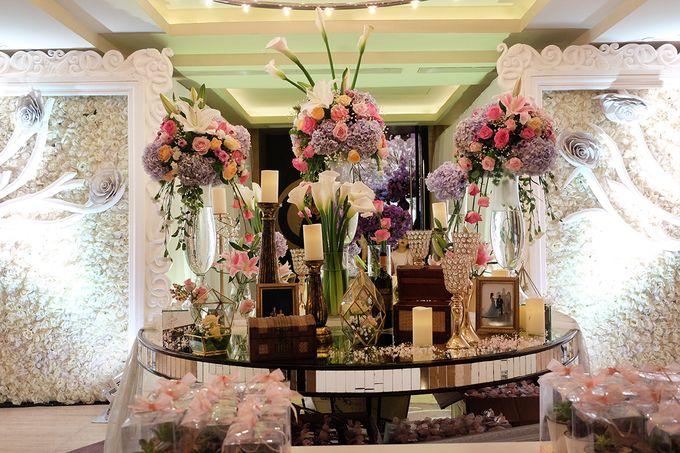 The Wedding of Adrian Silviany - Kempinski bali Room by The Swan Decoration - 037