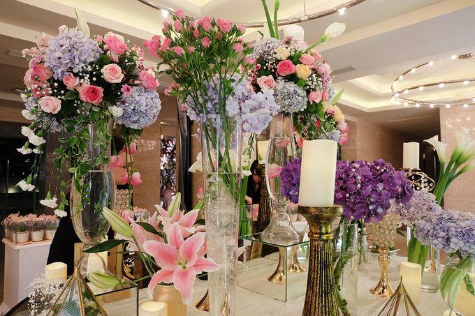 The Wedding of Adrian Silviany - Kempinski bali Room by The Swan Decoration - 033