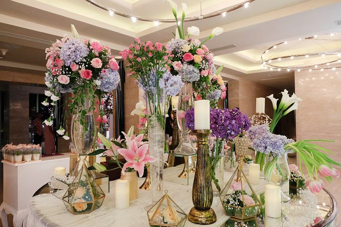 The Wedding of Adrian Silviany - Kempinski bali Room by The Swan Decoration - 041