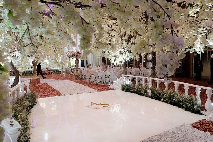 The Wedding of Adrian Silviany - Kempinski bali Room by The Swan Decoration - 036