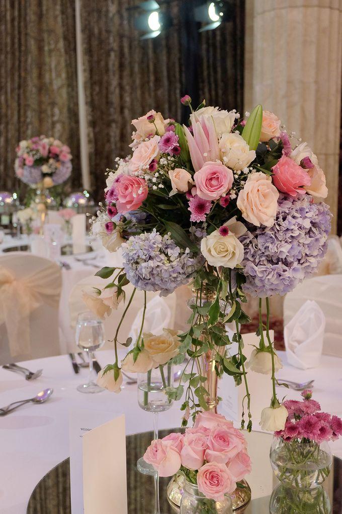 The Wedding of Adrian Silviany - Kempinski bali Room by The Swan Decoration - 005