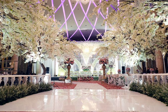 The Wedding of Adrian Silviany - Kempinski bali Room by The Swan Decoration - 016