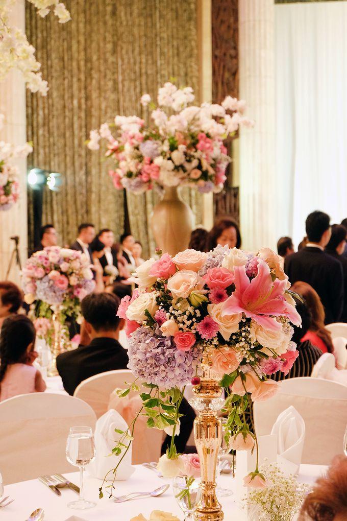 The Wedding of Adrian Silviany - Kempinski bali Room by The Swan Decoration - 002