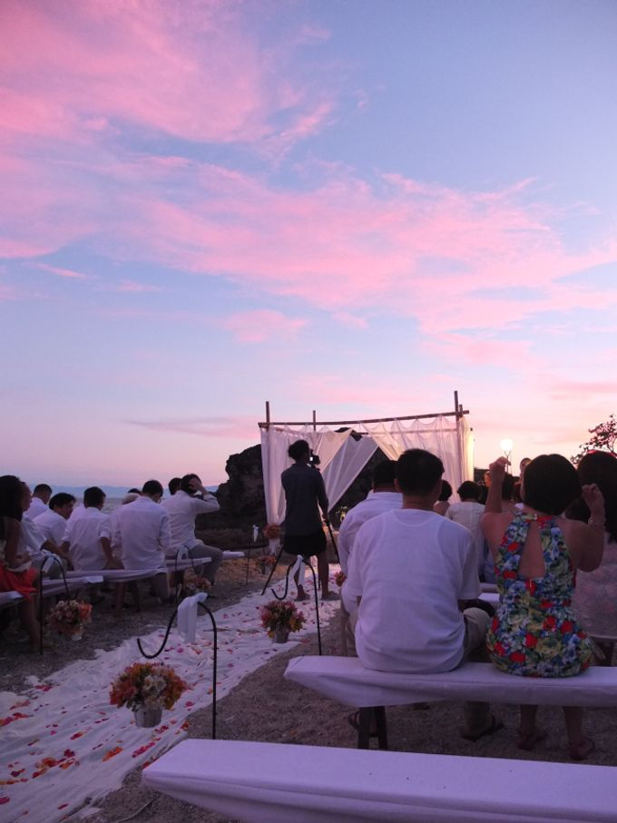 La luz beach wedding