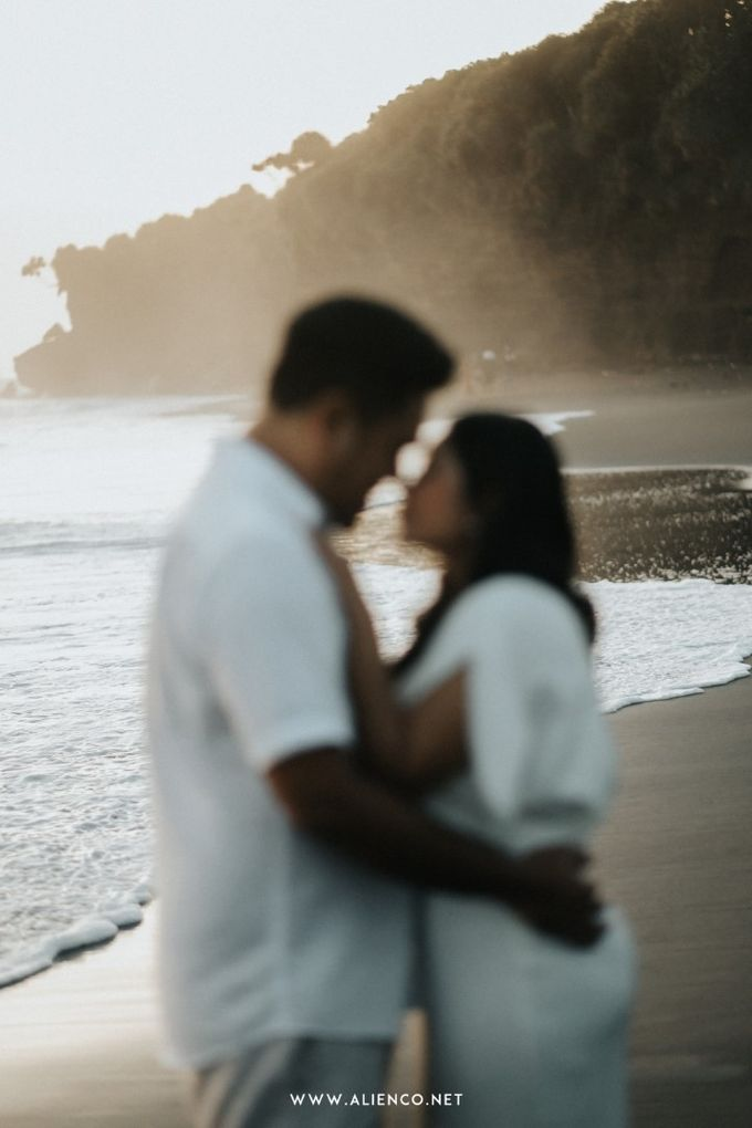 The Prewedding Of Andrew & Dinar by alienco photography - 017