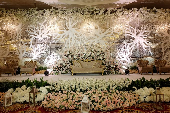 The Wedding of Ivan & Riri by The Swan Decoration - 012