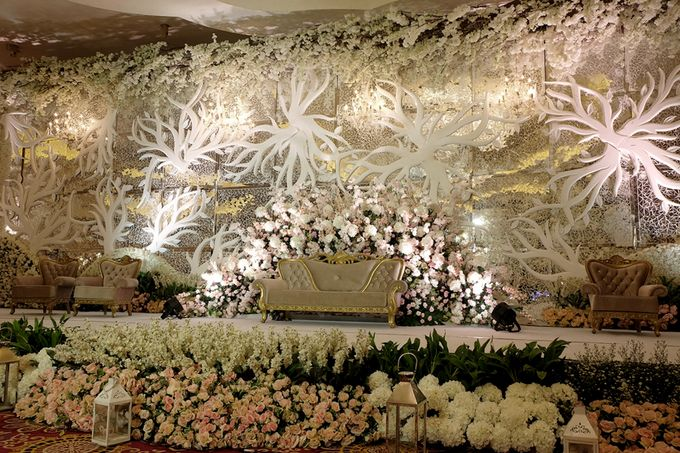 The Wedding of Ivan & Riri by The Swan Decoration - 023