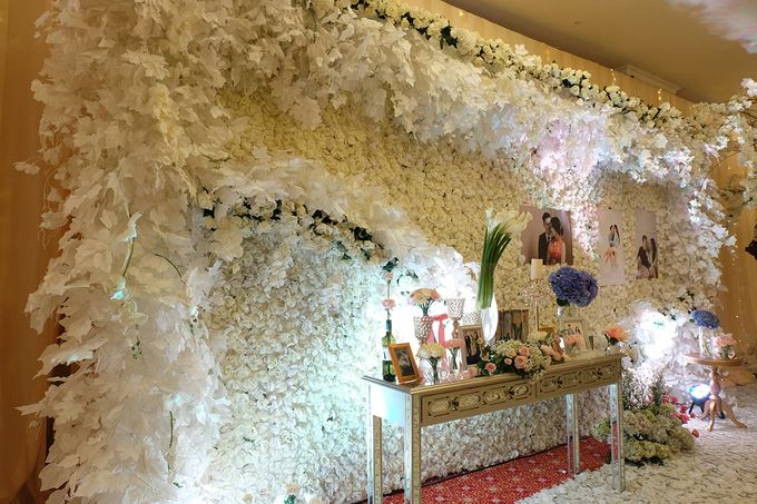 The Wedding of Ivan & Riri by The Swan Decoration - 027