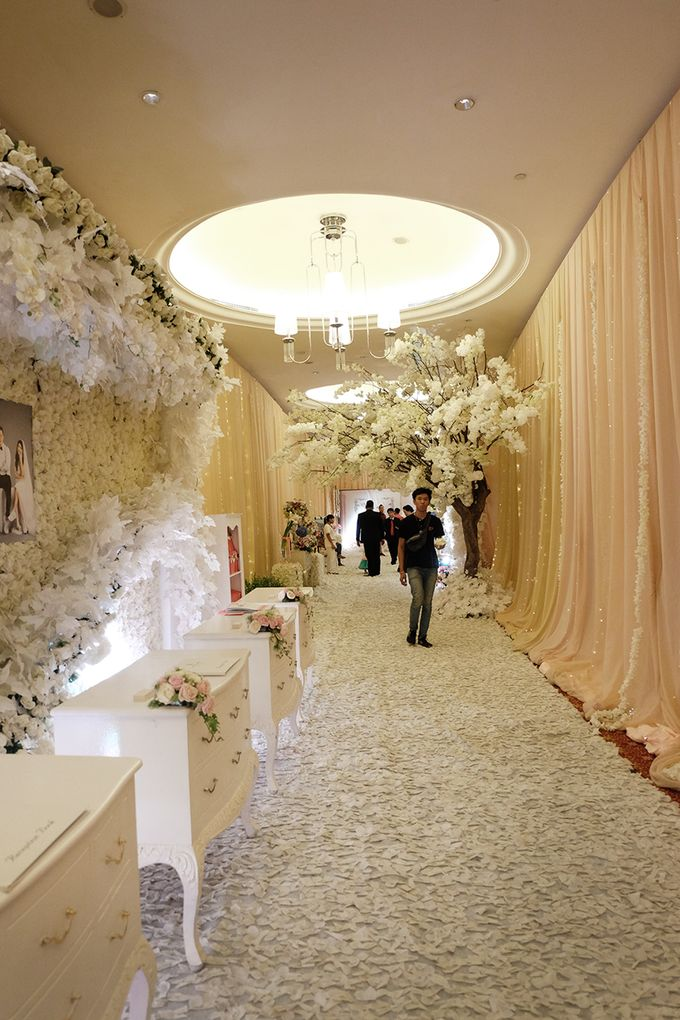 The Wedding of Ivan & Riri by The Swan Decoration - 030