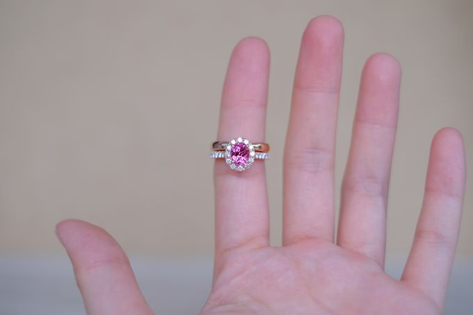 Seamless Wedding and Engagement Ring Set by Heritage Gems Singapore - 004