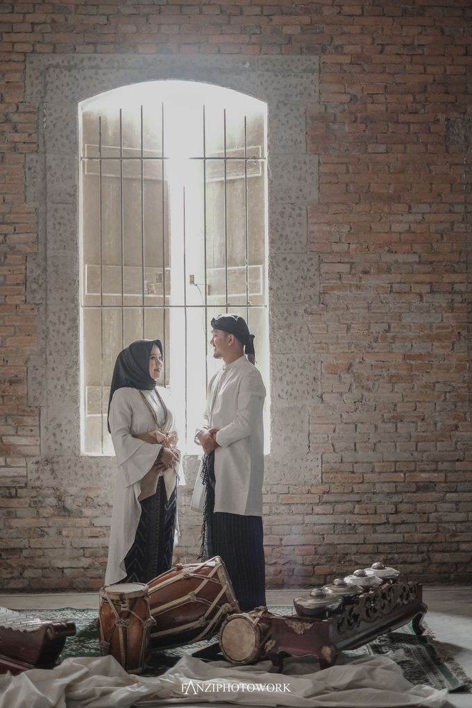 Prewedding TEBE & RIRIN  Fanziphotowork X upiedam by CORELLIA INVITATION - 002
