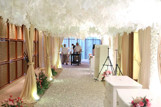 The Wedding of Teddy and Ivana by Mandarin Oriental, Jakarta - 006