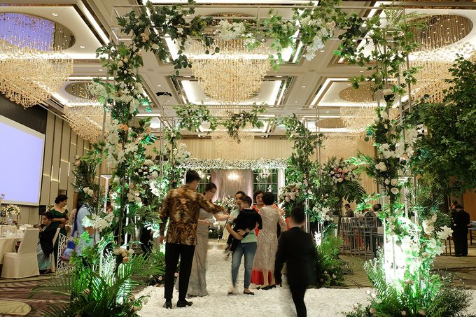 The Wedding of Priyanto & Angie by The Swan Decoration - 005