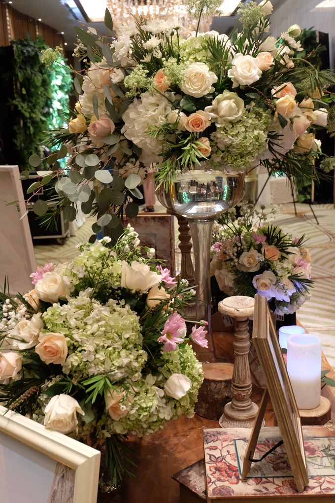 The Wedding of Priyanto & Angie by The Swan Decoration - 010