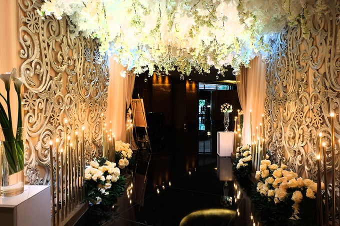The Wedding of Rendy & Amanda by The Swan Decoration - 001