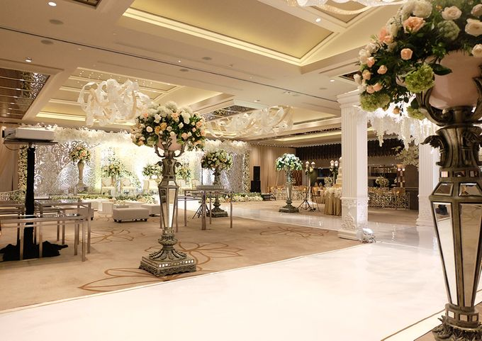 The Wedding of Rendy & Amanda by The Swan Decoration - 005