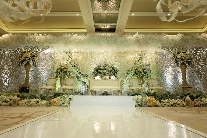 The Wedding of Rendy & Amanda by The Swan Decoration - 006