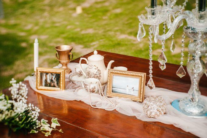 Elegant Wedding by Bali Izatta Wedding Planner & Wedding Florist Decorator - 002