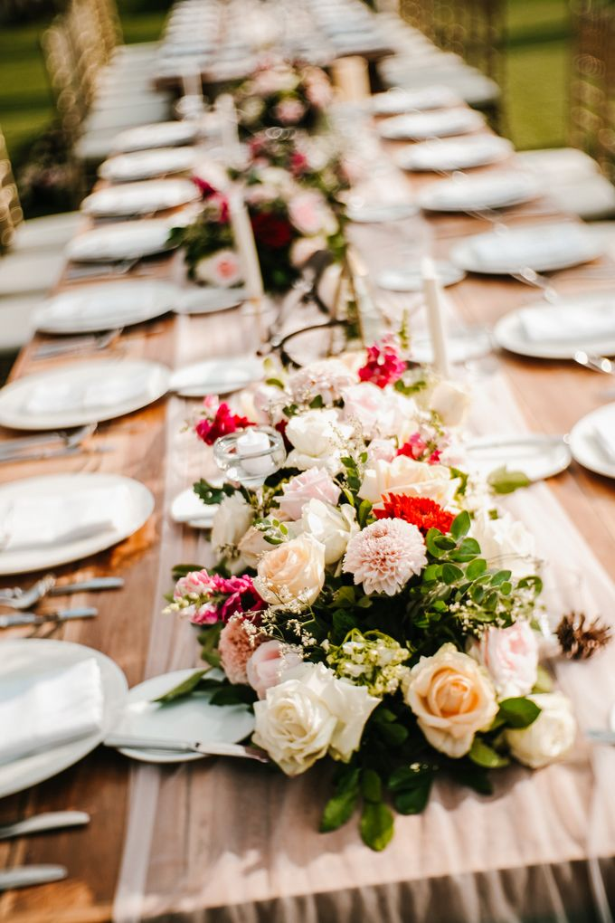 Elegant Wedding by Bali Izatta Wedding Planner & Wedding Florist Decorator - 003